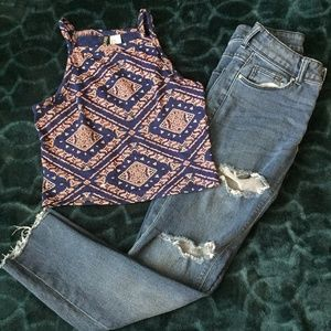 Bundle of 2:H& M Divided (Crop top & Ripped Jeans)